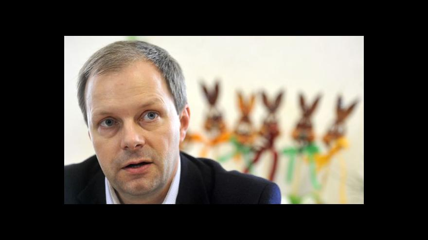 Video Chládek: Smlouvy na 10 měsíců mají možná i tisíce učitelů