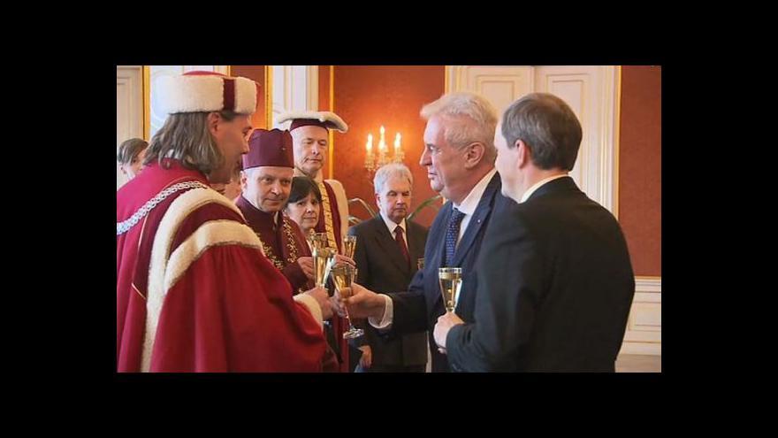 Video Prezident Zeman jmenoval nové rektory