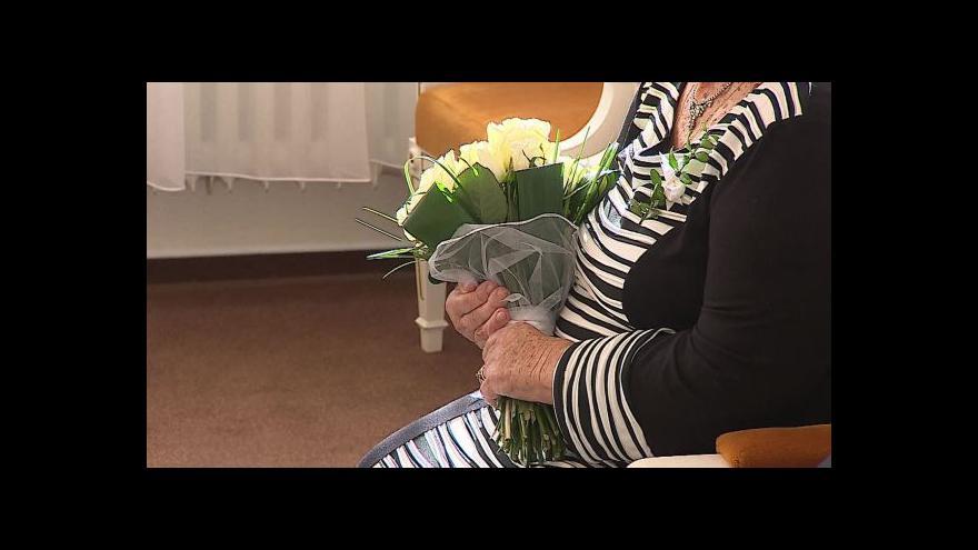Video Bez komentáře: Kamenná svatba manželů Sázavských