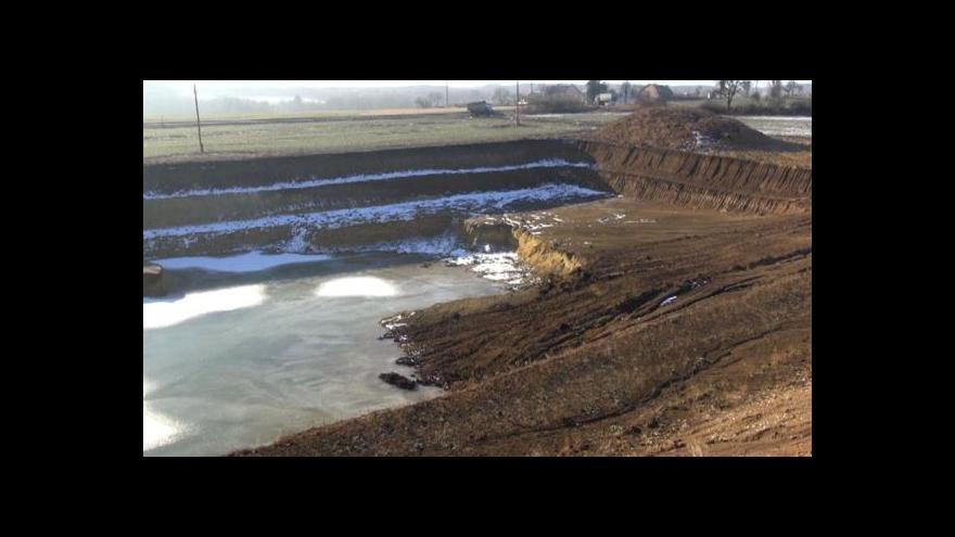 Video Referendum o těžbě bentonitu v Krásném Dvoře je neplatné