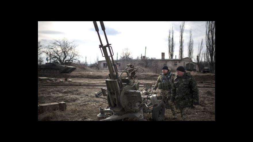 Video Expert o zbraních pro Ukrajinu: Evropa dál čeká na zázrak