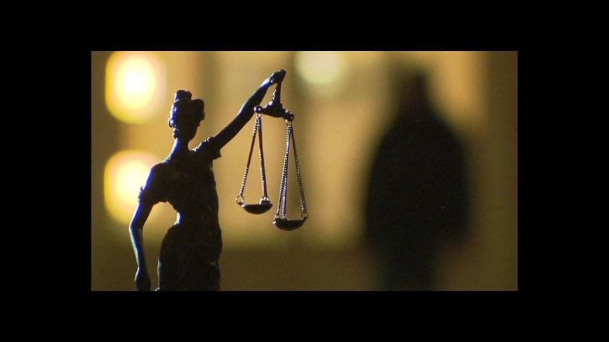 Video Události: Vláda schválila návrh na dorovnání platů v justici