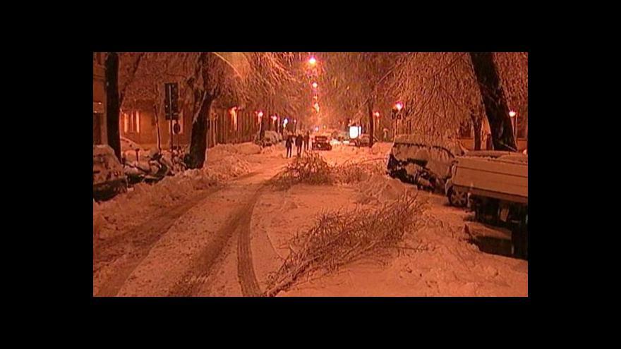 Video Husté sněžení ve střední Evropě a Itálii