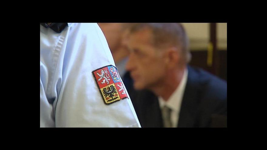 Video Soud: Vězeňská služba má možnosti řešit Janouškův zdravotní stav