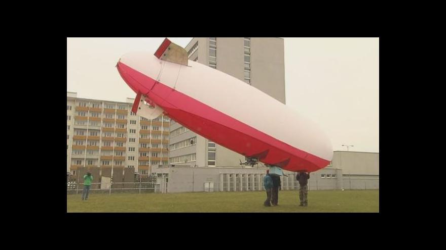 Video Pohled na vzducholoď zblízka