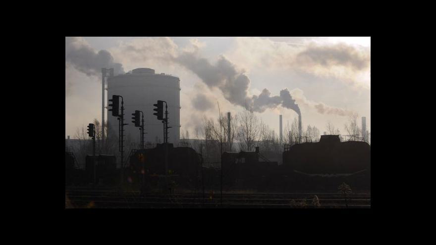 Video Události ČT: V ostravské ocelárně už zaměstnanci kouřit nebudou