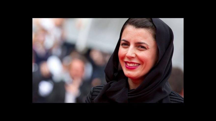 Video Íránská hvězda Rozchodu Nadera a Simin přijela do Prahy