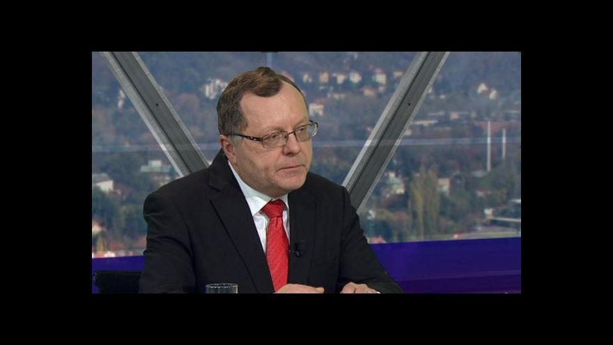 Video Prezident NKÚ: Zákon o platech je ve vážné krizi