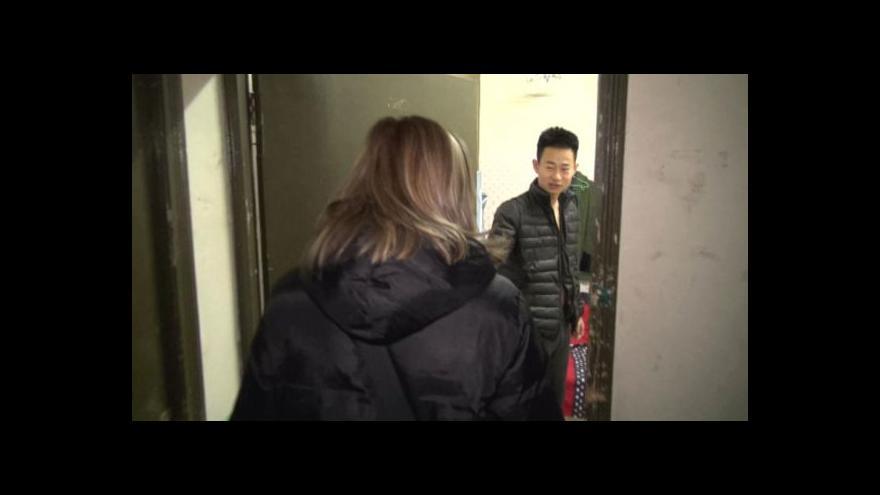 Video Číňany vyhnaly ceny nájmů do podzemí