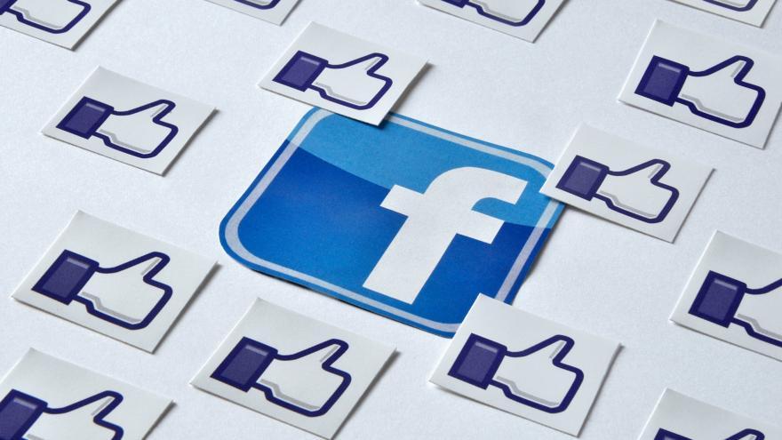Video Sedláček: Na Facebooku můžou být třeba jiné údaje než v životopise