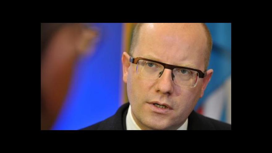 Video Premiér o hospodářském růstu jednal na tripartitě