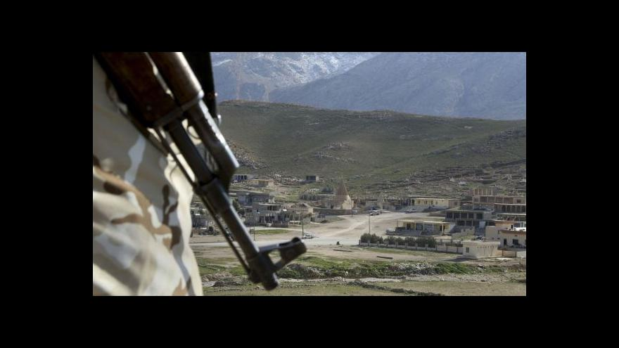 Video Jamie Read vycvičen k boji s IS v Česku