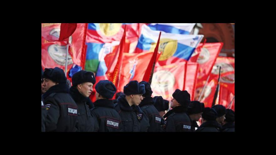 Video Tisíce lidí v Moskvě protestovaly proti Kyjevu