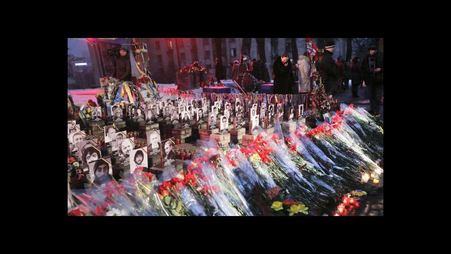 Video USA hrozí novými sankcemi, Kyjev vzpomíná na Majdan