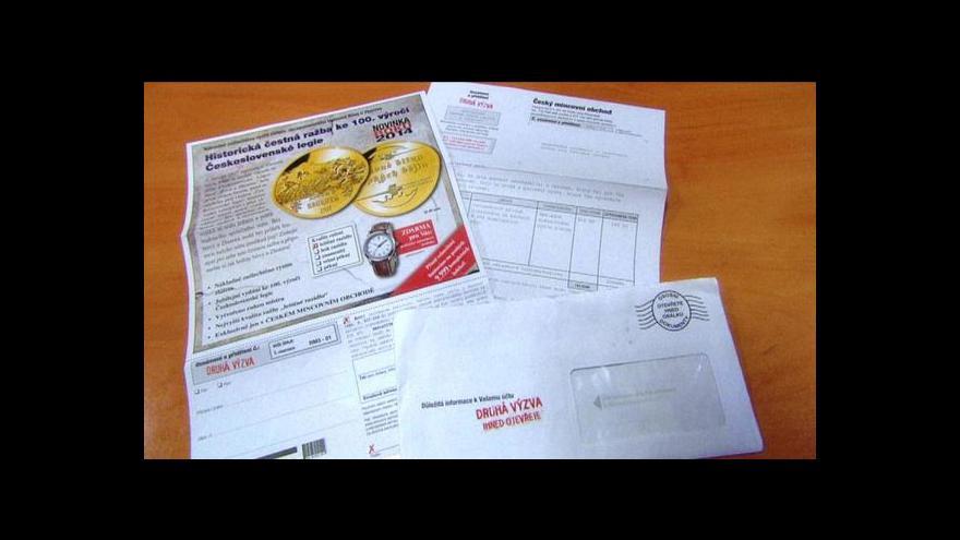 Video ČOI řeší desítky stížností na pamětní medaile nabízené poštou