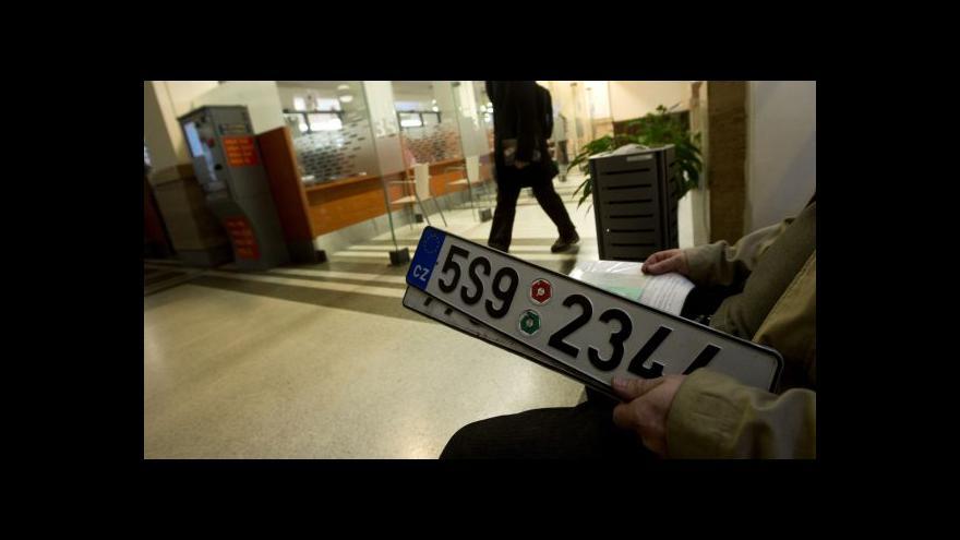 Video Kdo má SPZ v depozitu, musí auto znovu nahlásit