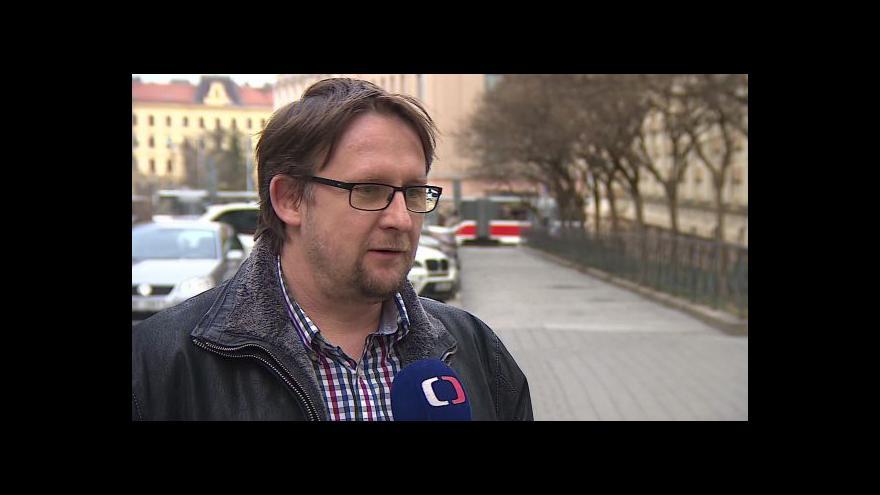 Video O otravě metanolem hovoří lékař Martin Doleček