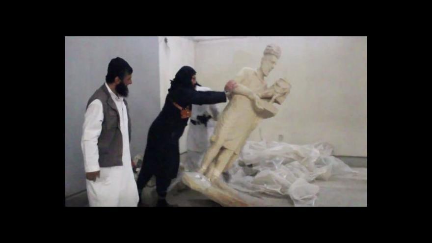 Video Islamisté se na videu chlubí rozbíjením soch