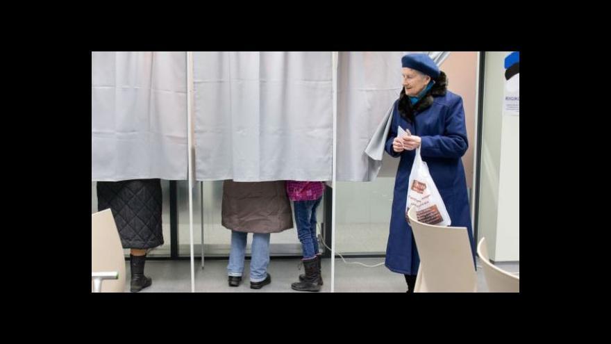 Video Reformisté drží moc v Estonsku, musí ale najít dalšího spojence