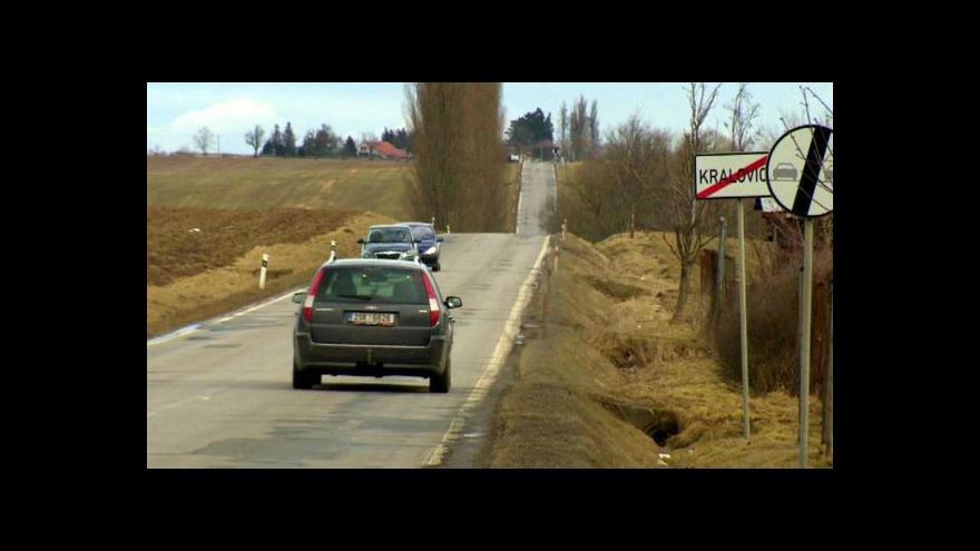 Video Kraj dá na opravu silnic přes miliardu