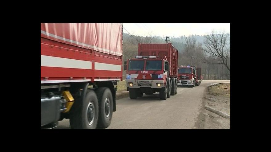 Video Události: Z Vrbětic vyjel první konvoj munice do Květné