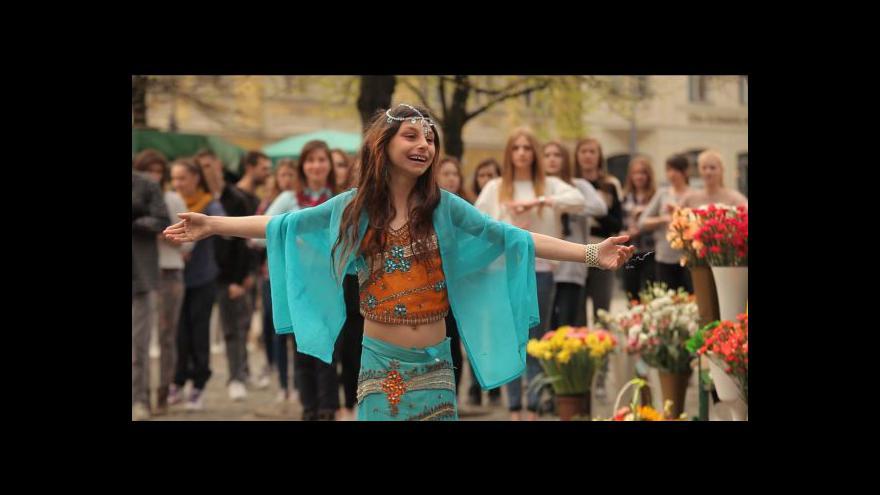 Video Trailer: Královna ticha (zdroj: Jeden svět)