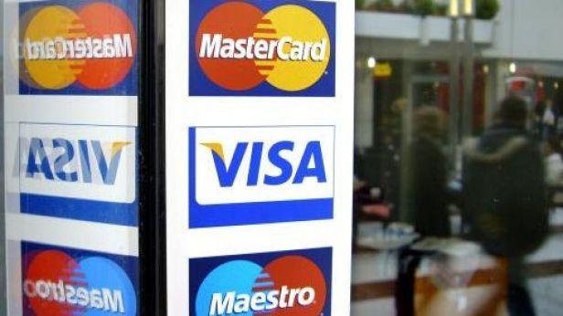 Video EP omezil poplatky za platby kartou