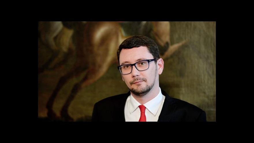 Video Brífink Jiřího Ovčáčka: S výsledky vás včas seznámím