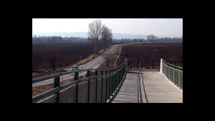 Video Ústín vybudoval cyklostezku, která končí v poli
