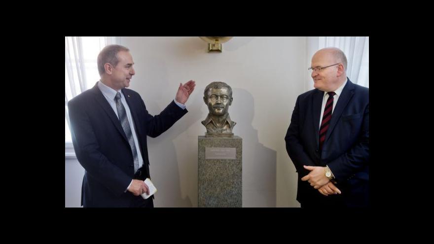 Video Karel Kryl je teď u poslanců KDU-ČSL