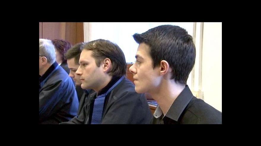 Video Soud řeší napadení zpěváka Hrůzy