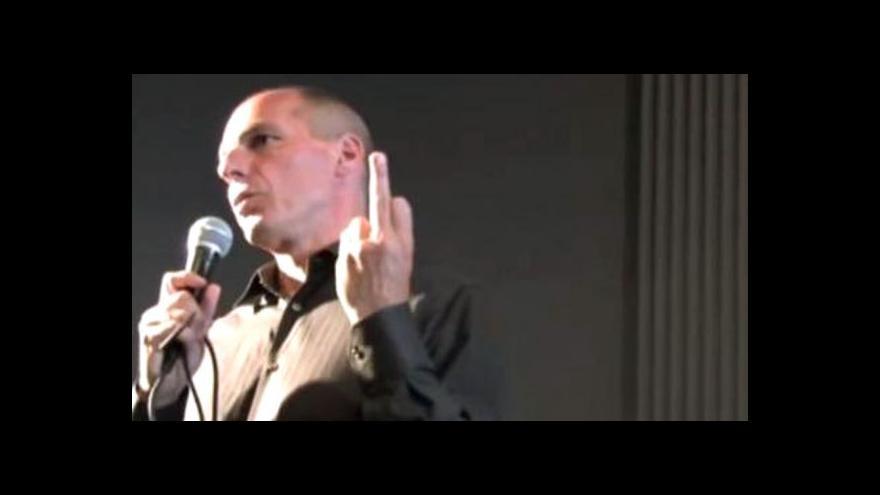 Video Varufakisovo gesto vystihuje řecko-německé vztahy