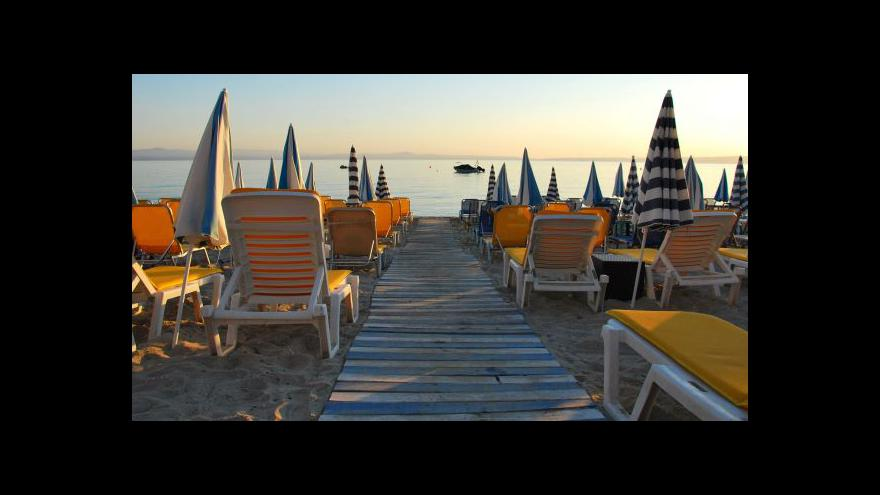 Video Letní dovolená v zahraničí může podražit až o 15 procent