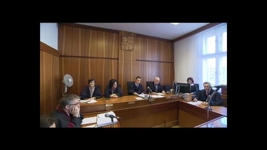 Video Rozsudek nad mladíky, kteří napadli Michala Hrůzu