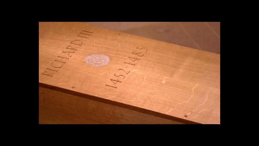Video Anglického krále Richarda lll. slavnostně pohřbili v Leicesteru
