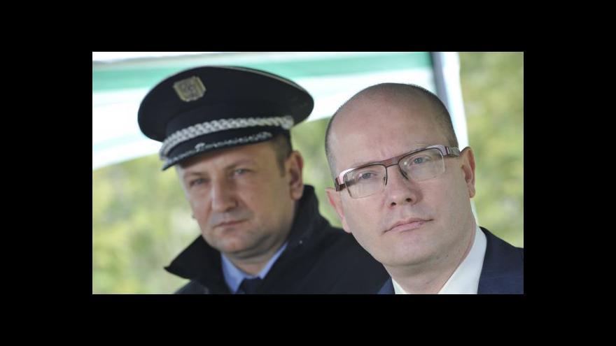 Video Bohuslav Sobotka a Milan Chovanec navštívili Boří les