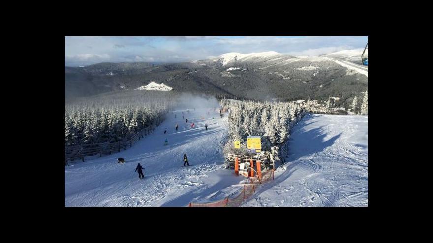 Video Hroneš: Do Velikonoc se ve Špindlu bude lyžovat určitě