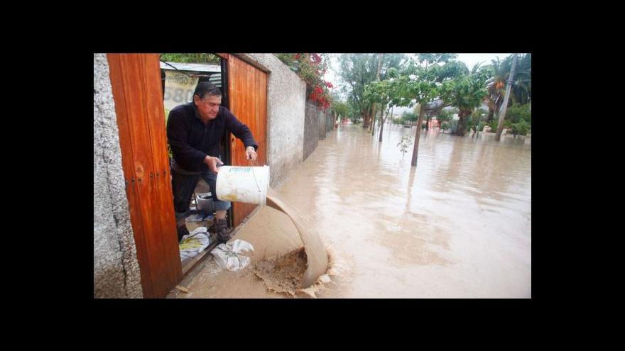 Video Záplavy v Chile odřízly desetitisíce lidí od elektřiny