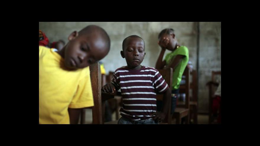Video Gruber o Ebole: Epidemie ustupuje, ale není překonána
