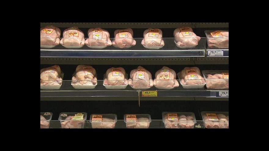 Video V masokombinátu zpracují i 7 tisíc kuřat za hodinu