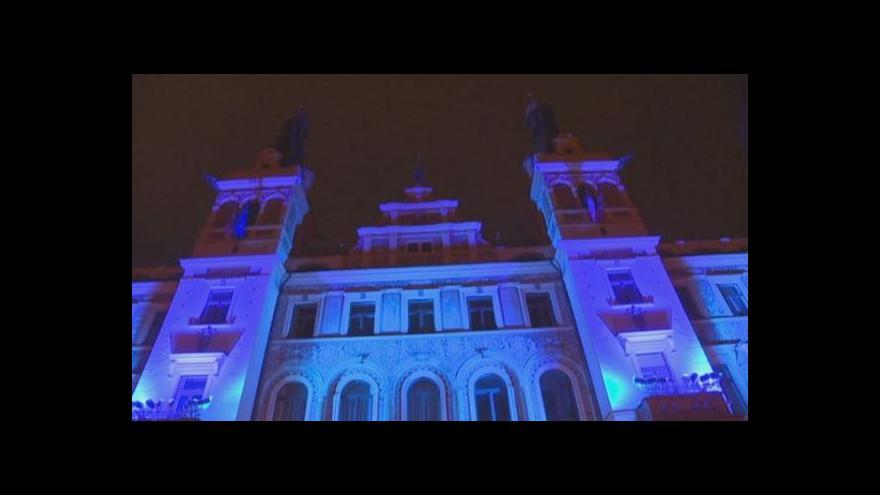 Video Česká města se rozzářila modře pro autisty