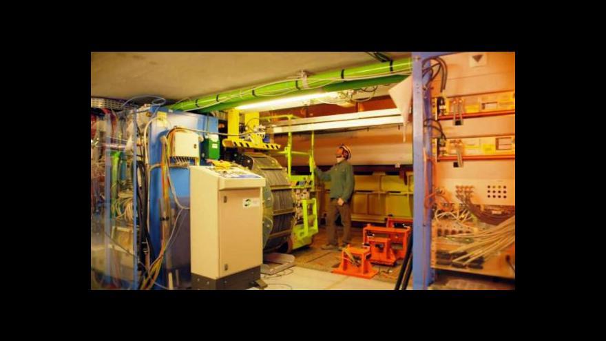Video Urychlovač částic je ještě rychlejší