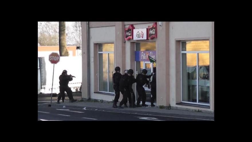 Video Nelegální obchod s cigaretami v česko-bavorském pohraničí