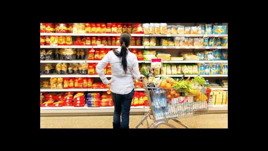 Video Nízká inflace a růst mezd láká Čechy k utrácení