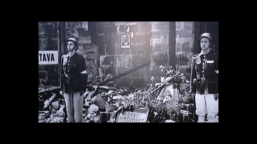 Video Události: Obětí pražského povstání bylo mnohem víc
