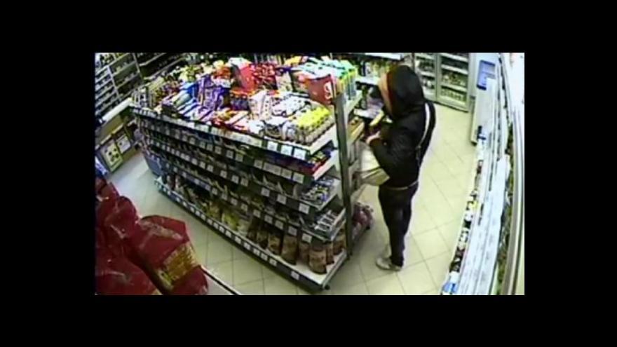 Video Z českých obchodů loni zmizelo zboží za 13 miliard