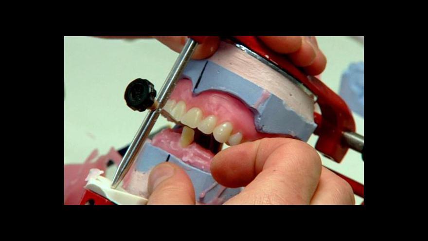 Video Události: Zubní technici si stěžují na málo peněz