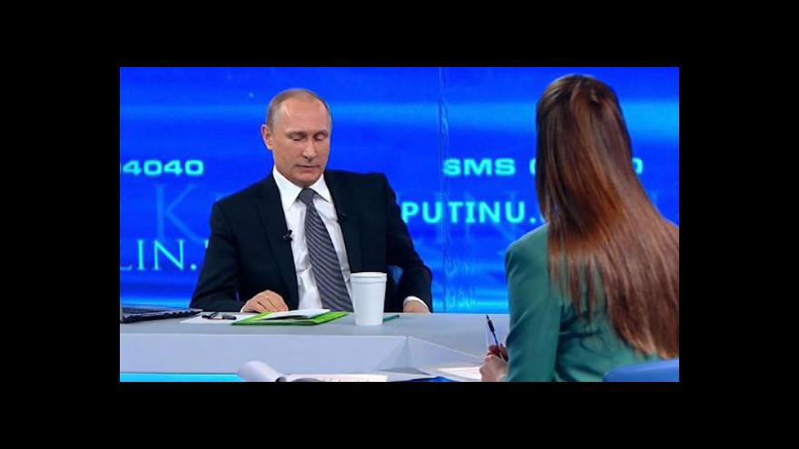 Video Putin potřinácté odpovídal na dotazy občanů