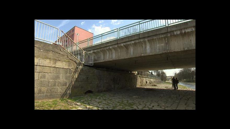Video Ekologové proti stavbě protipovodňové zdi v Rokycanech