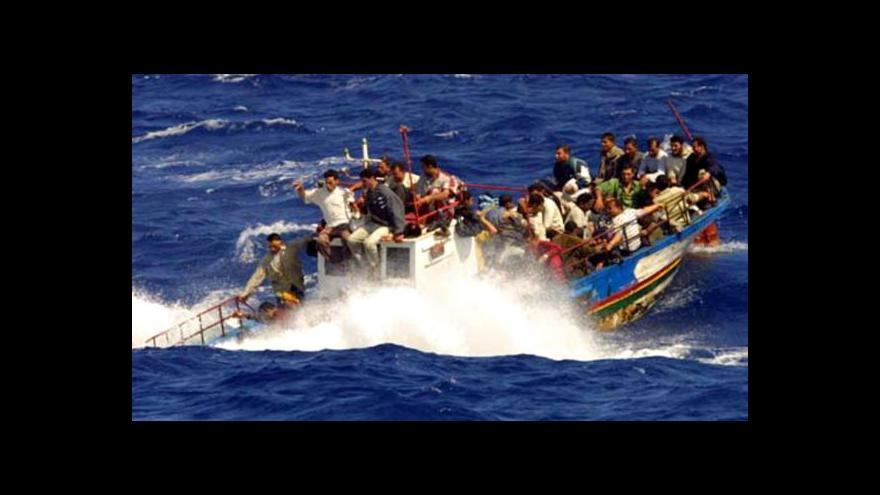 Video Události: Až 700 utonulých uprchlíků